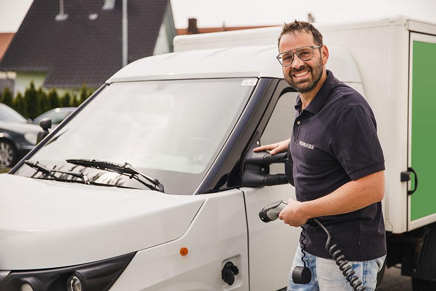 Lieferdienst von EDEKA Lippmann mit Elektroauto